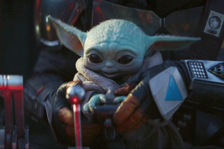 Bébé Yoda dans le vaisseau de Mando